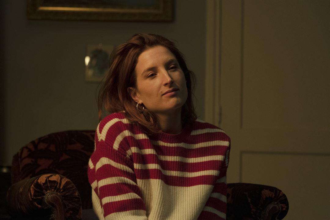 Aure Hazan jouée par Julia Piaton dans Family Business