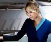 The Flight Attendant : Kaley Cuoco nous fait voler grâce à sa nouvelle série !